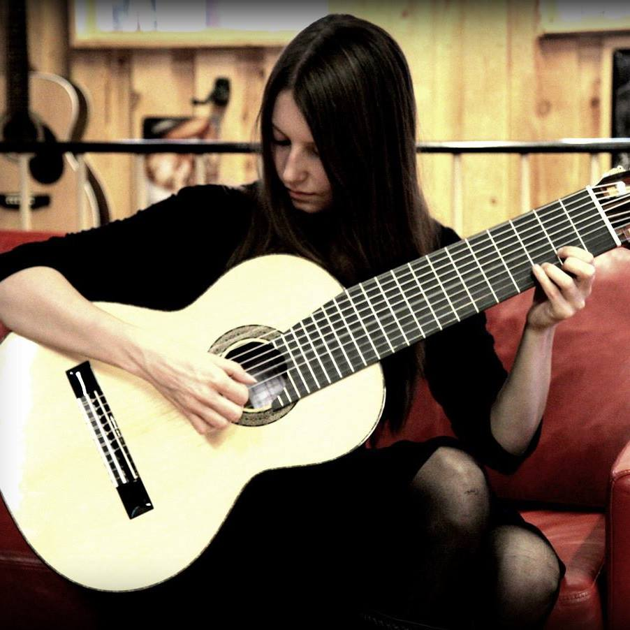 Camilla - Guitar Klassisk guitar Ukulele