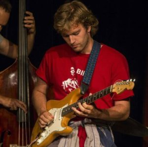 Claus - Guitar Jazzguitar Ukulele  - Aarhus
