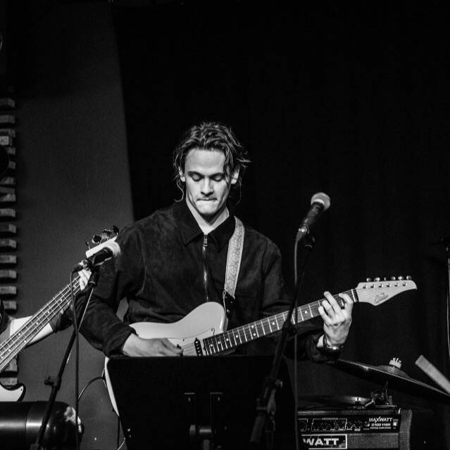 Mads S. - Elbas Guitar  - København