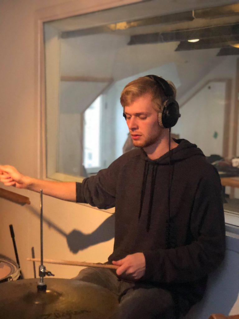 Niels A. - Elektronisk musik Komposition Musik- og lydproduktion Sangskrivning
